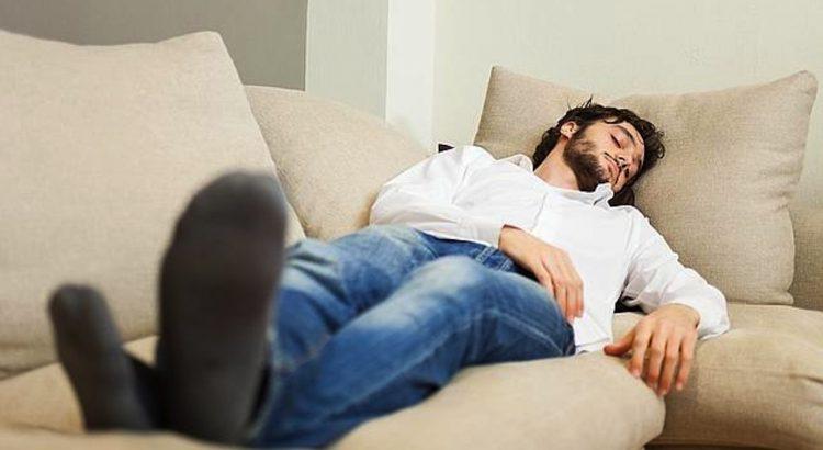 La siesta, mejor en el sofá!